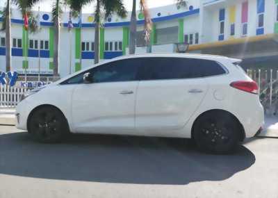 Bán Kia Rondo 2017 tự động dầu màu bạc xe gia đình chính chủ