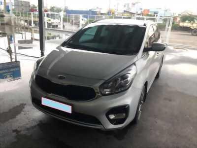 Cần bán xe Rondo 2017, số tự động, máy dầu, màu bạc
