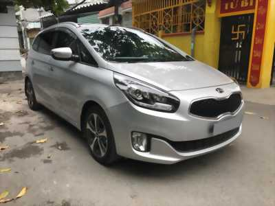Cần bán xe Rondo 2016, số tự động, máy xăng, màu bạc