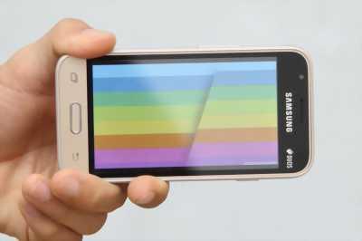 Galaxy J1 Vàng Đt còn mới. Sử dụng được 1 tuần