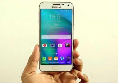 Samsung e5 bị vỡ màn.
