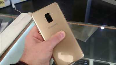 Samsung Galaxy A8 Plus Vàng.còn đủ phụ kiện