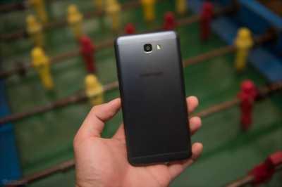 Samsung j7 2015 bị nứt kinh dòng khác vàng 16 GB