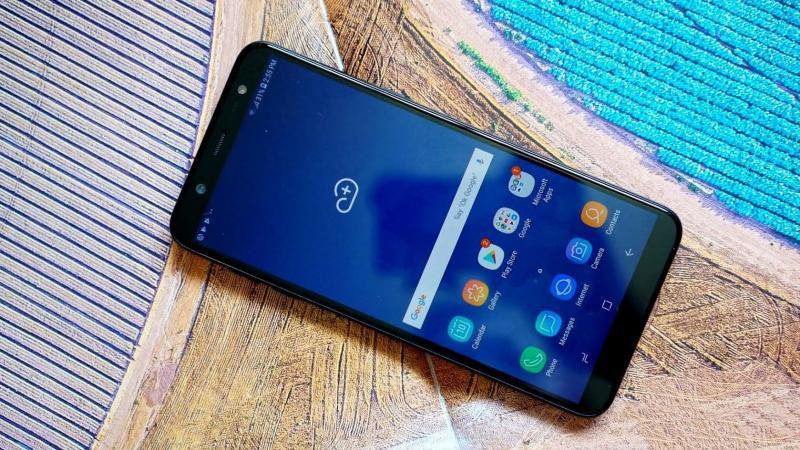 Samsung Dòng khác Màu khác 32 GB j8