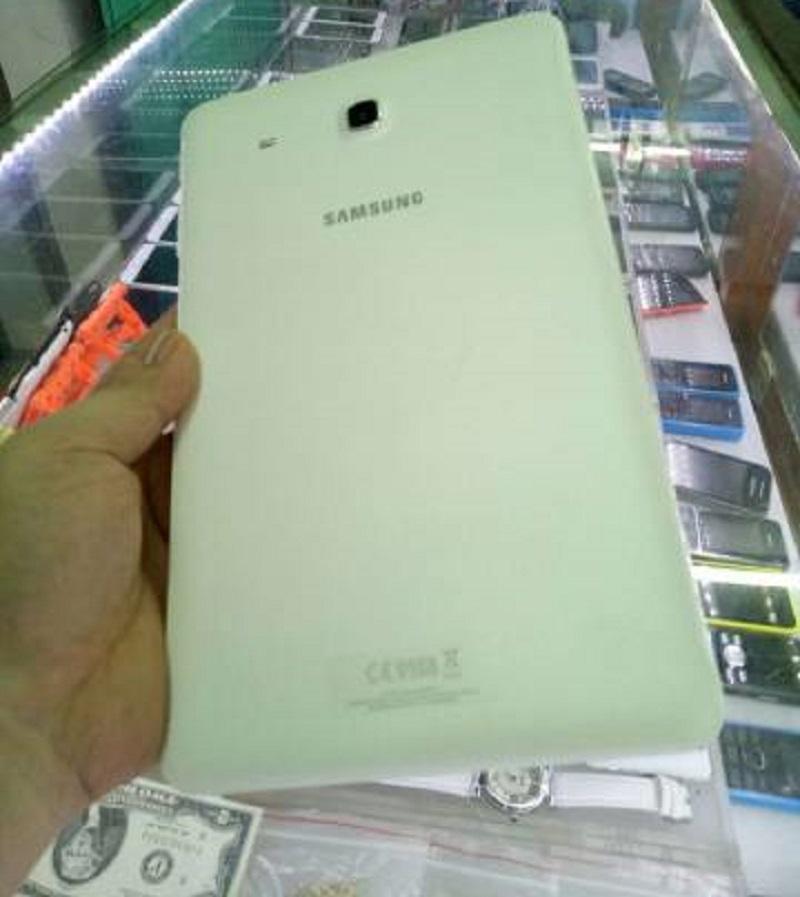Samsung tab e (bảo hành chính hãng tới 30/04/2018)