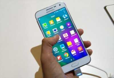 Samsung a5 , mặt kính sướt 1 đường như sợi tóc
