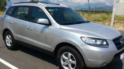 Cần bán xe Hyundai Santafe 2009 số sàn màu bạc cực mới