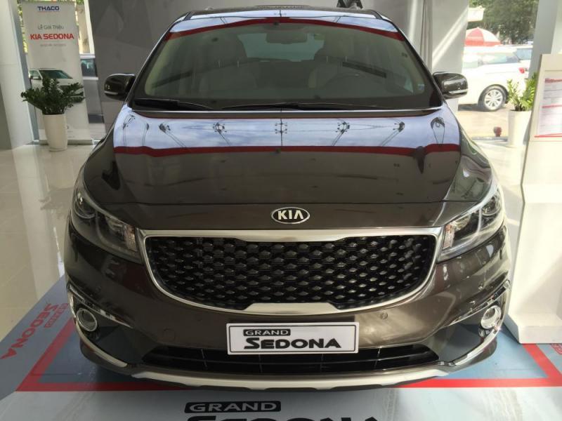 Deal tốt Kia Sedona bản Minivan DAT đời 2016