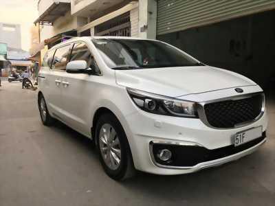 Cần bán lại xe Kia Sedona GAT 3.3L V6 2015 màu trắng