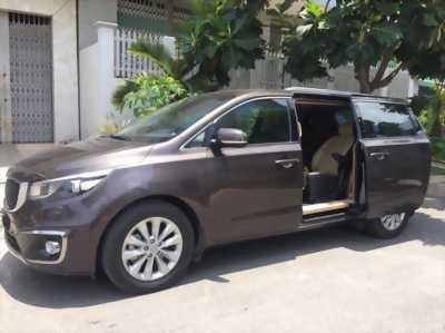 Cần tiền bán gấp xe Kia Sedona 2016 tự động dầu full option