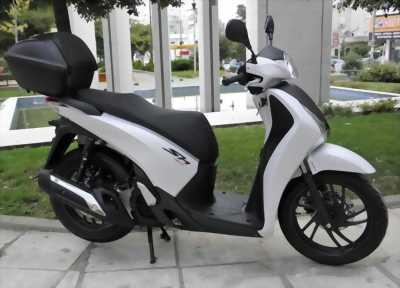 Honda SH 150 ABS màu trắng đầu 2018 .