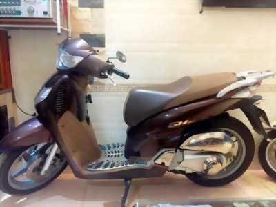 Mình cần bán xe Honda SH 150i, ĐK 08/2013, nâu xám đen