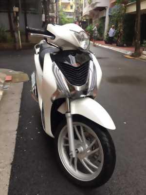 Honda SH Việt 15Oi Trắng Ngọc Trinh Ít Sử Dụng