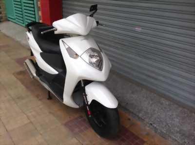 Honda Dylan đẹp đủ phụ kiện biển Hà Nội