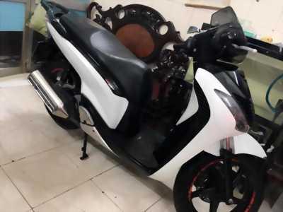 SH 150i Italy trắng đen