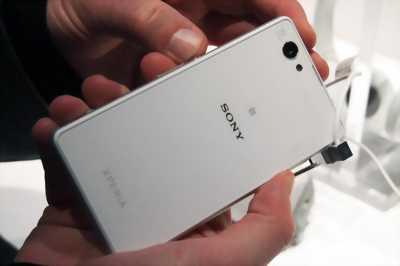 Bán xác Sony Xperia Z3 Mini Trắng ở Đà Nẵng