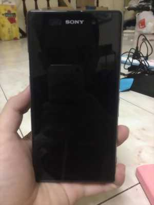 Bán 1 điện thoại Sony Z1, ngoại hình cũ theo thời gian
