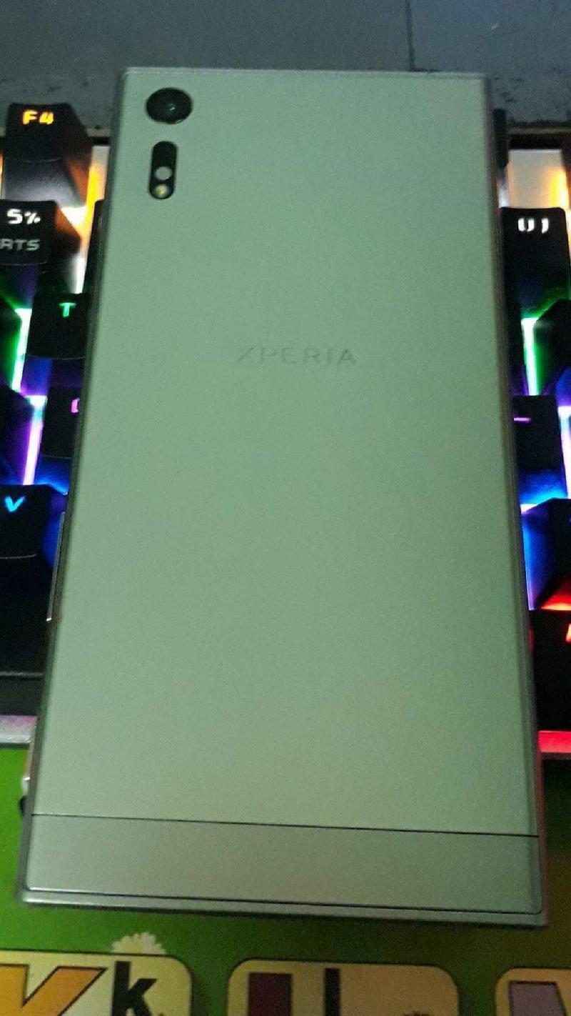 Sony xz chính hãng. 64GB. bạc . 2 sim