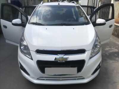 Cần tiền bán Chevrolet Spark LTZ 2015 màu trắng đi ít còn rất mới