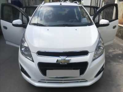 Cần tiền bán Chevrolet Spark LTZ 2015 màu trắng