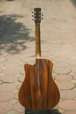 Đàn guitar gỗ