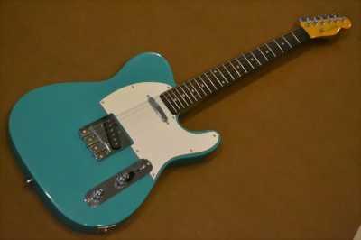 Ra đi một em Fender indonesia