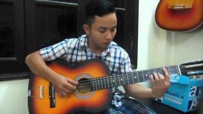Cần bán cây đàn guitar