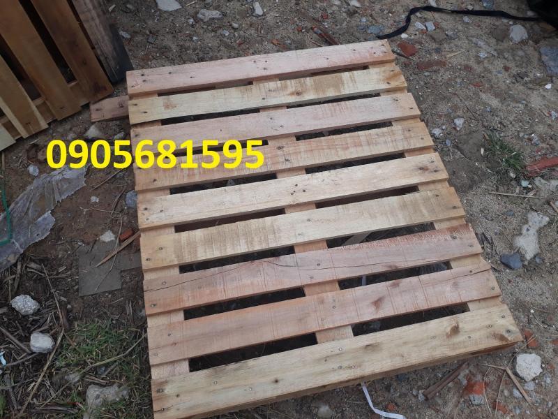 Cho thuê Pallet nhựa, Pallet gỗ lót sân khấu