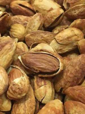 Bán các loại hạt nhiều dinh dưỡng như óc chó,macca