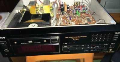 Cần bán gáp đầu đĩa CD Sony cdp - x33es với giá bao rẻ