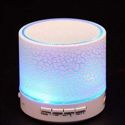 Loa bluetooth có đèn led nhấp nháy theo nhạc.