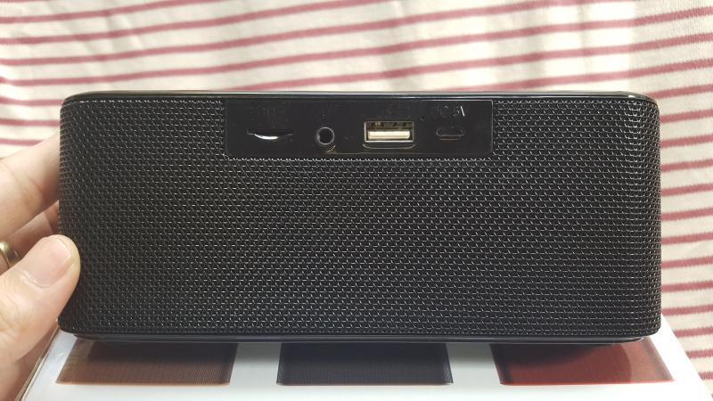 Loa Bluetooth Manovo X6 Cảm ứng- Âm thanh cực hay
