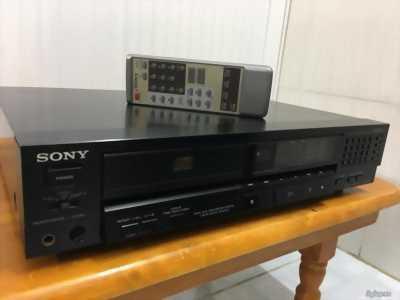 Đầu cd sony 222es