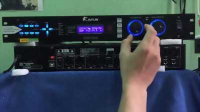 Vang DK 9800 bản OPT kết nối smartivi thông minh.