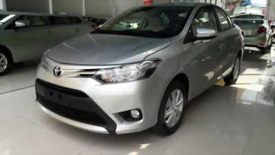 Toyota Vios 1.5E màu bạc, sản xuất 2016, gương kín