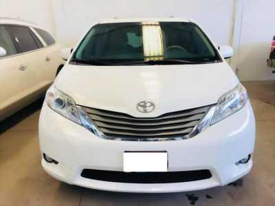 Thanh lí Toyota Sienna 2011 số tự động nhập Mỹ ở Quận Gò Vấp