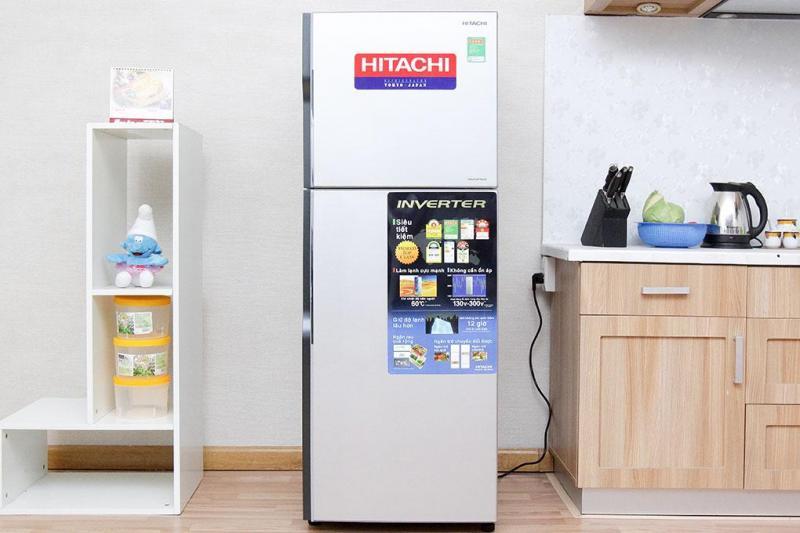 Giá tủ lạnh Hitachi 2 cánh vào thời điểm tháng 9/2017