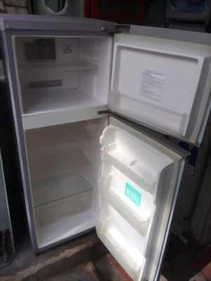 Canbanc tủ lạnh tosihba đang sű dụng bt 130lit