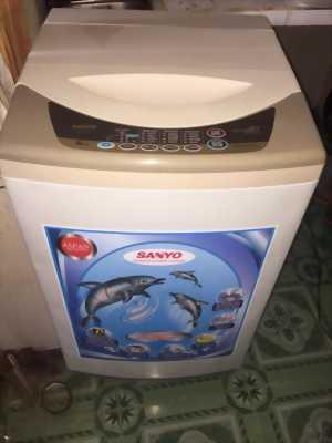 Bán gấp máy giặt sanyo don nhà đi sai gòn