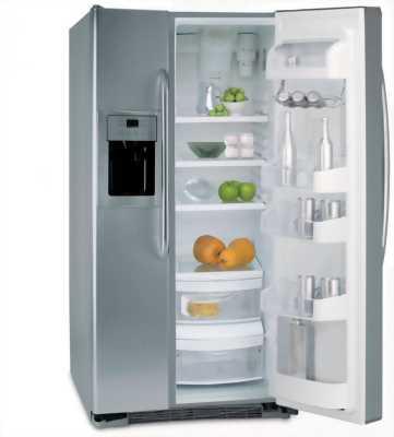 Bán tủ lạnh panasonic đang hoạt động bình thường