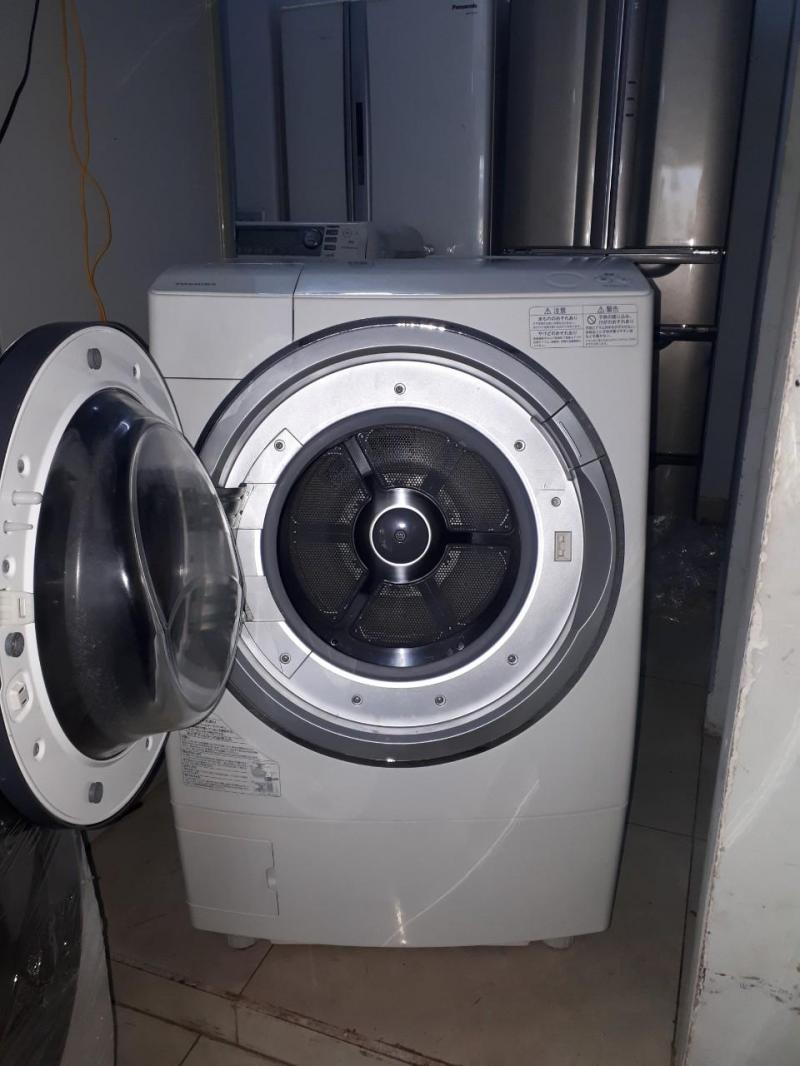 Máy giặt TOSHIBA TW-Z96X1L Date 2013 cánh của đen