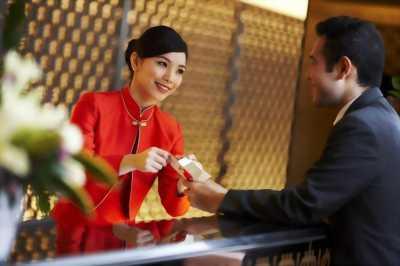 Tìm việc lễ tân khách sạn ( có kinh nghiệm)