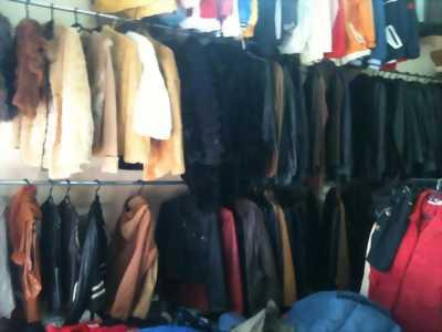 Tuyển nhân viên bán quần áo