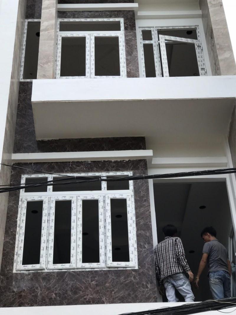 Cửa nhựa lõi thép cho nhà phố, biệt thự giá ưu đãi nhất