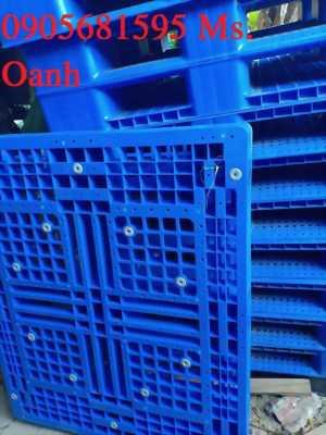 Bán nhanh 100 Pallet nhựa Mới, xanh cao 150mm tại Quảng Nam 0905681595