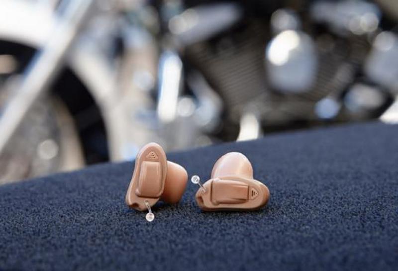 Máy trợ thính cực nhỏ trong tai