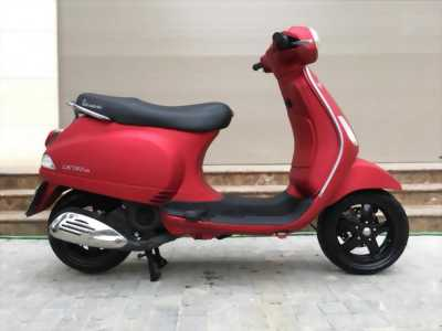 Vespa LX 125 đỏ sần thời trang biển 29D2-202.55 huyện tiên lãng