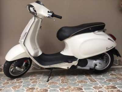 Vespa sprint 150 3vie màu trắng