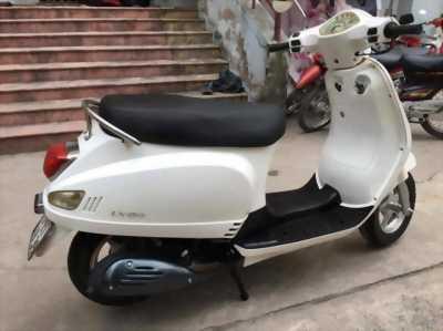 Cần bán xe Vespa LX 150 màu trắng nhìn thích liền