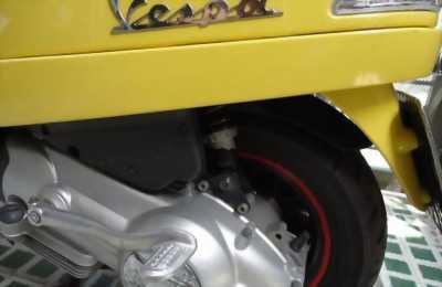 Cần bán 1 chiếc xe Piaggio Vespa LX 125,đời xe 2011